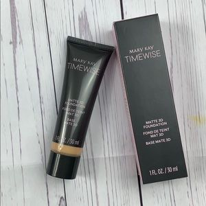 Mary Kay Timewise matte 3D foundation